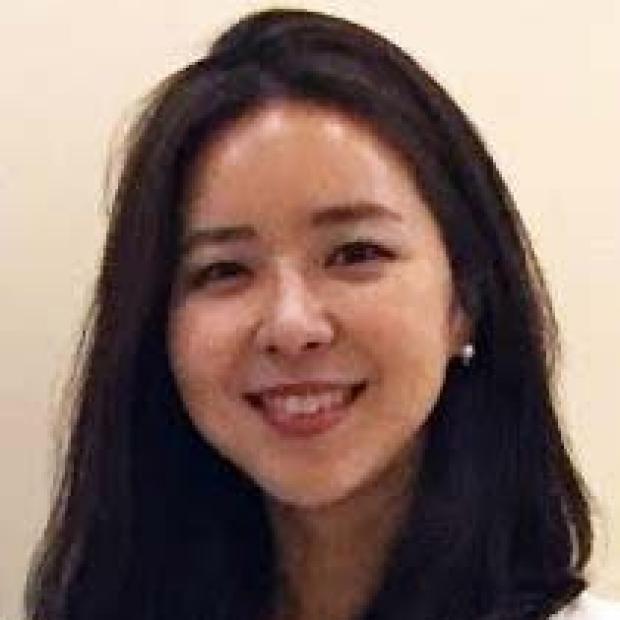 smiling headshot of Soah Lee