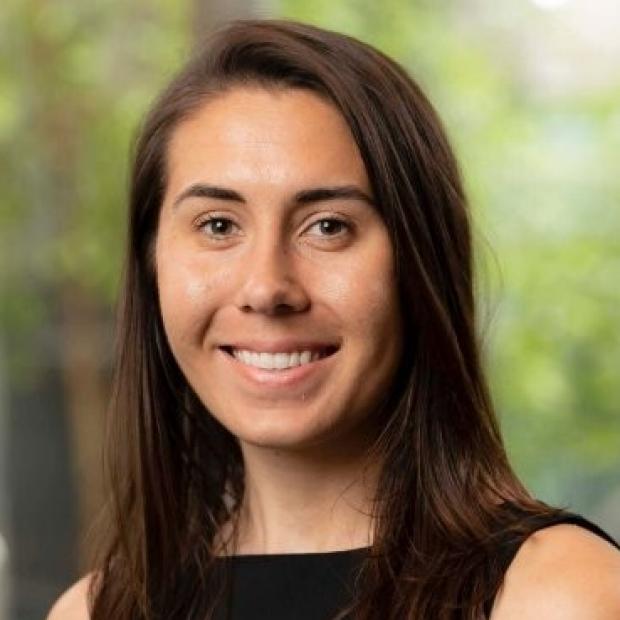 headshot of Annika Dries