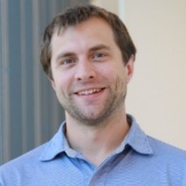headshot of Dries Feyen