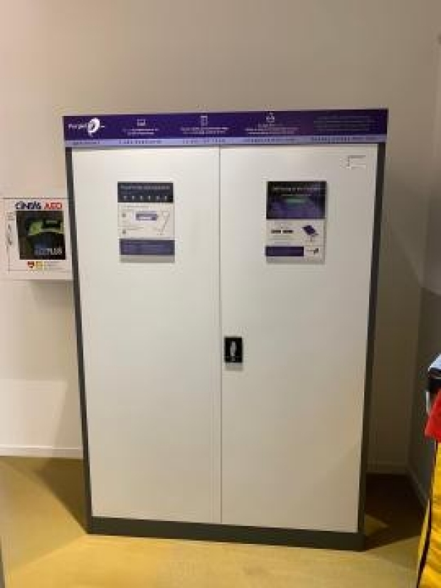 PurpleTie dry cleaning services now available | Redwood City