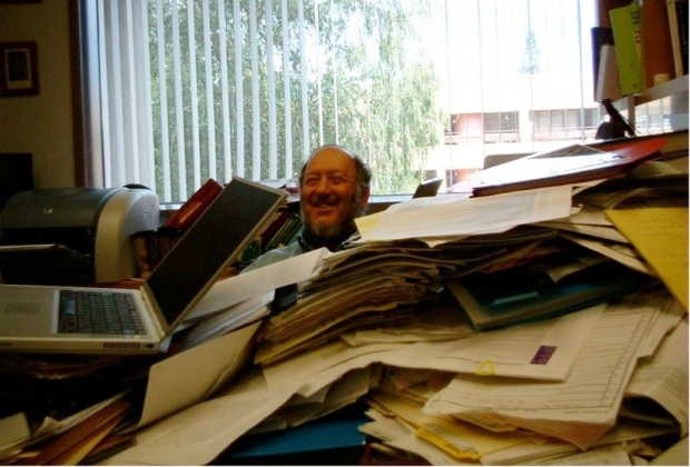 Irving Weissman at his desk