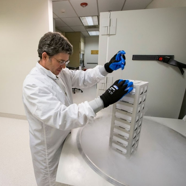 Stanford's lab for cell, gene medicine opens in Palo Alto