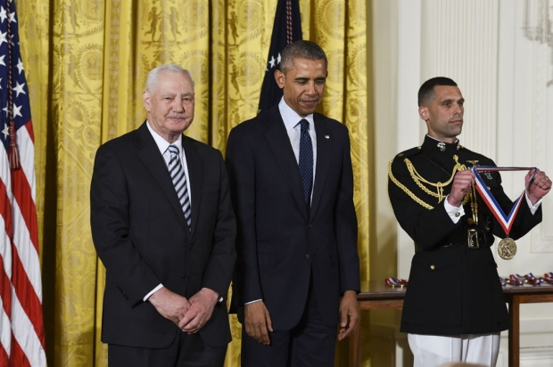 Stanley Falkow receiving the Medal of Science from President Obama