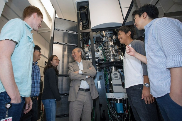 Wah Chiu and students in the cryo-EM facility