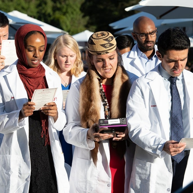 Students from far and near begin medical studies at Stanford