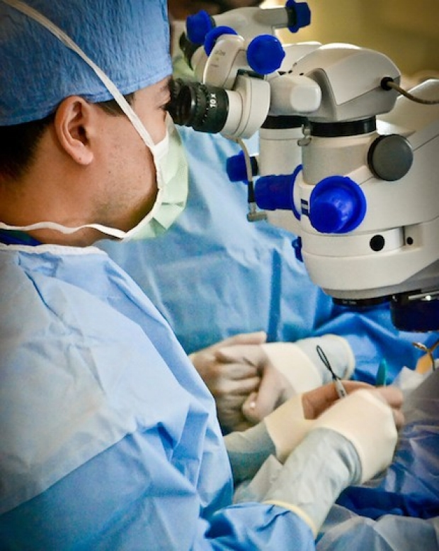 Dr. Leng working in surgery
