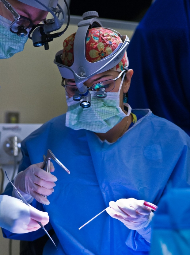 Dr. Kossler in Surgery